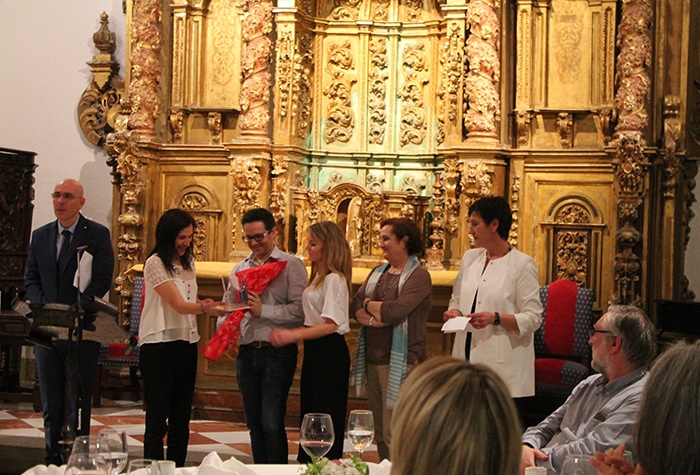 Entrega do premio á mellor comunicación oral do III Congreso de Psicoloxía Profesional de Galicia