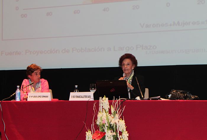 """Conferencia 4 """"Mitos e realidades sobre a vellez e a saúde"""""""