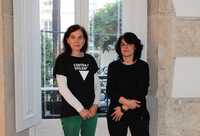 De esquerda a dereita: Mª Rosa Álvarez Prada, Decana do COPG e Socorro Rodríguez Holguín, Decana da Facultade de Psicoloxía da USC