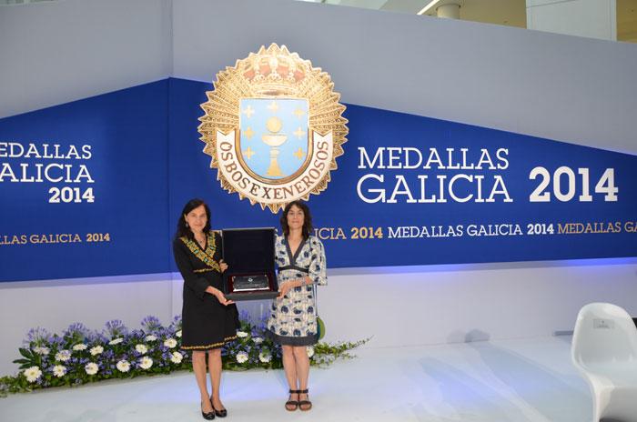 A decana do COPG, Mª Rosa Álvarez Prada e a coordinadora do GIPCE, Ana Isabel Martínez Arranz