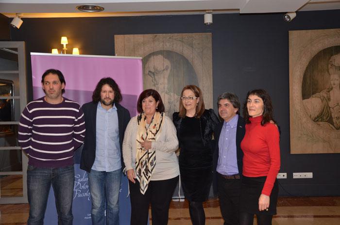 Membros da Asociación de Veciños de Angrois con membros da Xunta de Goberno do COPG