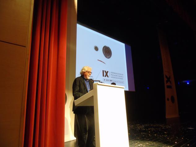 Acto de clausura con Josep Villajoana, vicepresidente do Consejo General de la Psicología de España
