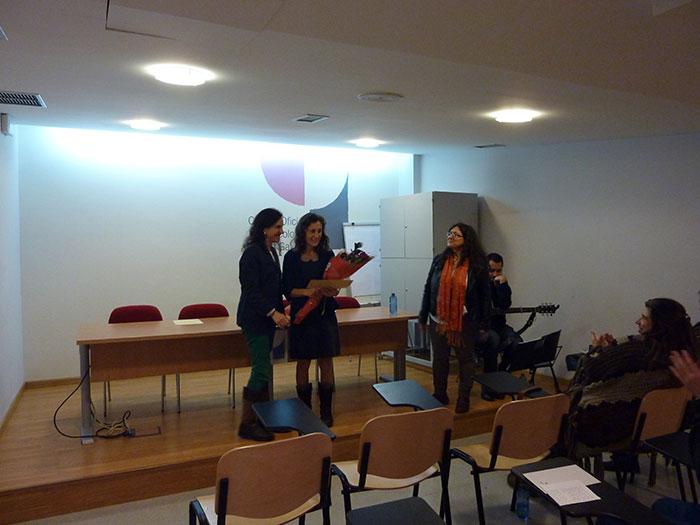Momento da entrega do premio a Raquel Couto Antelo